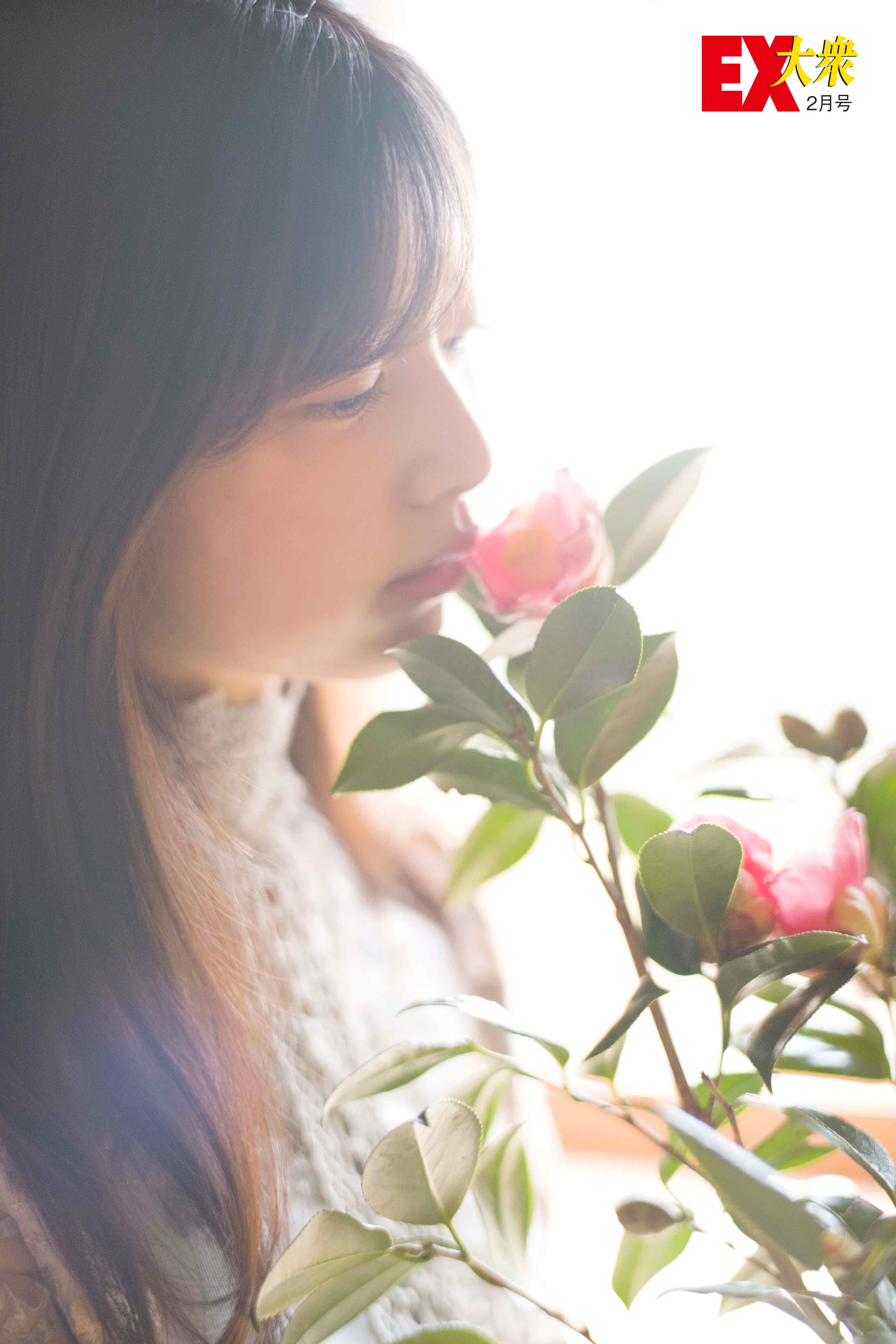 吉田莉桜の水着画像4