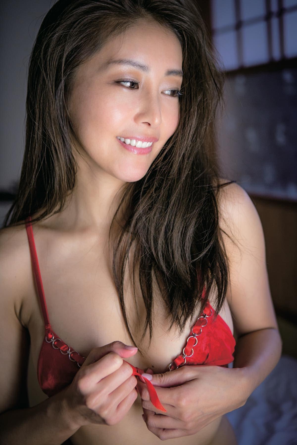熊切あさ美「10年ぶり」40歳の美ボディを限界露出!【写真8枚】の画像003