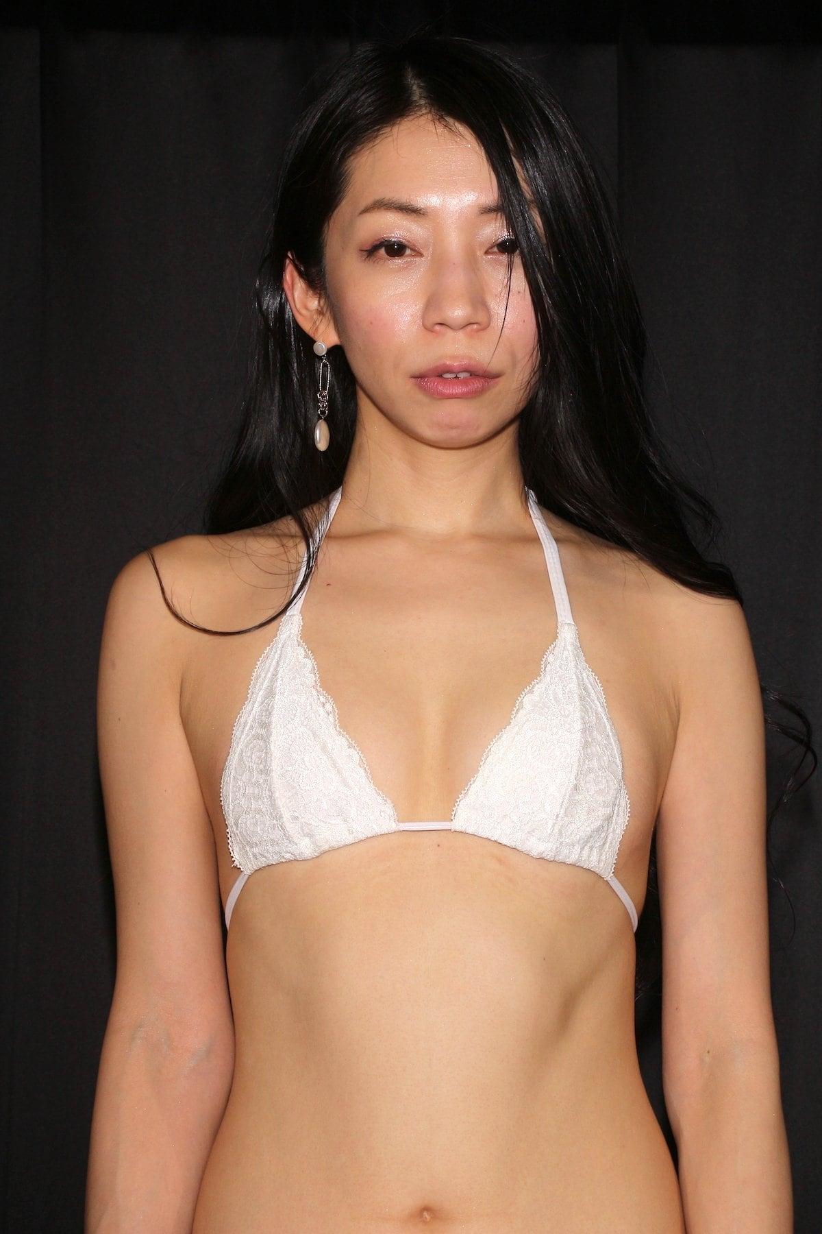 岩崎真奈「ベンチの縁にこすったり」私史上最高にセクシー【画像50枚】の画像014