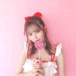 AKB48込山榛香「甘~~~い!」リボンとフリルが可愛いプライベート水着姿を披露の画像