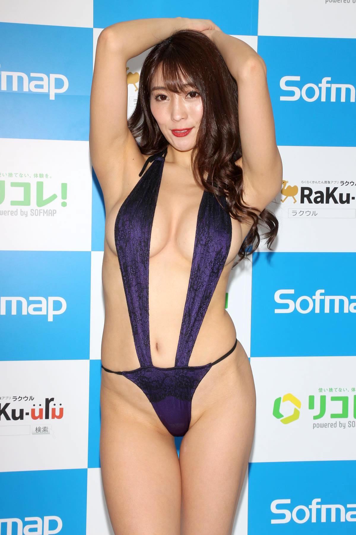 森咲智美のグラビア水着ビキニ画像0011