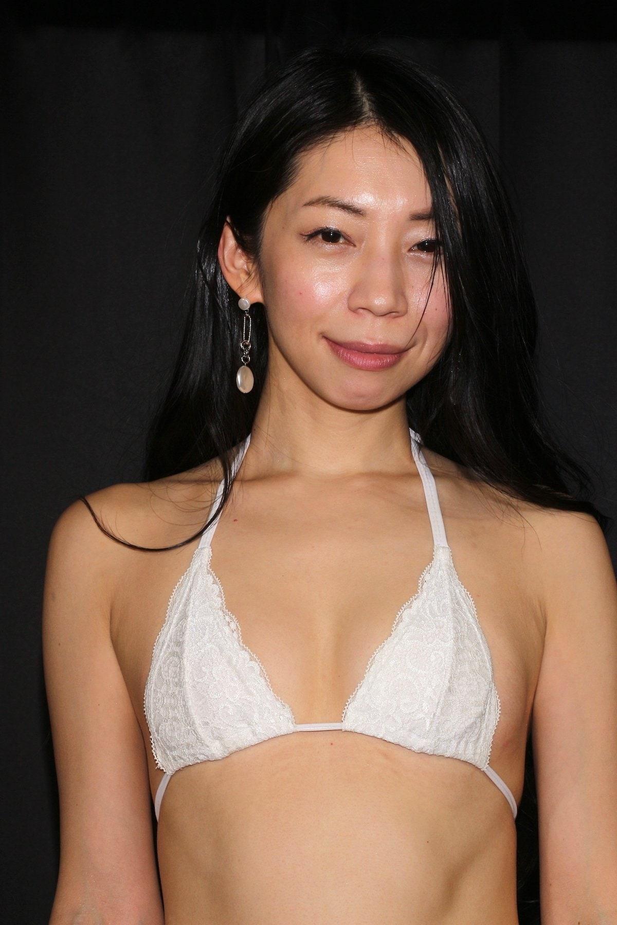 岩崎真奈「ベンチの縁にこすったり」私史上最高にセクシー【画像50枚】の画像013