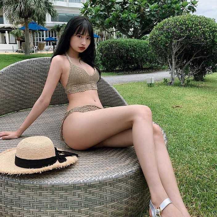 JKモデル・藤川らるむ「夏が似合う美脚!」スタイルがすごすぎると話題の画像
