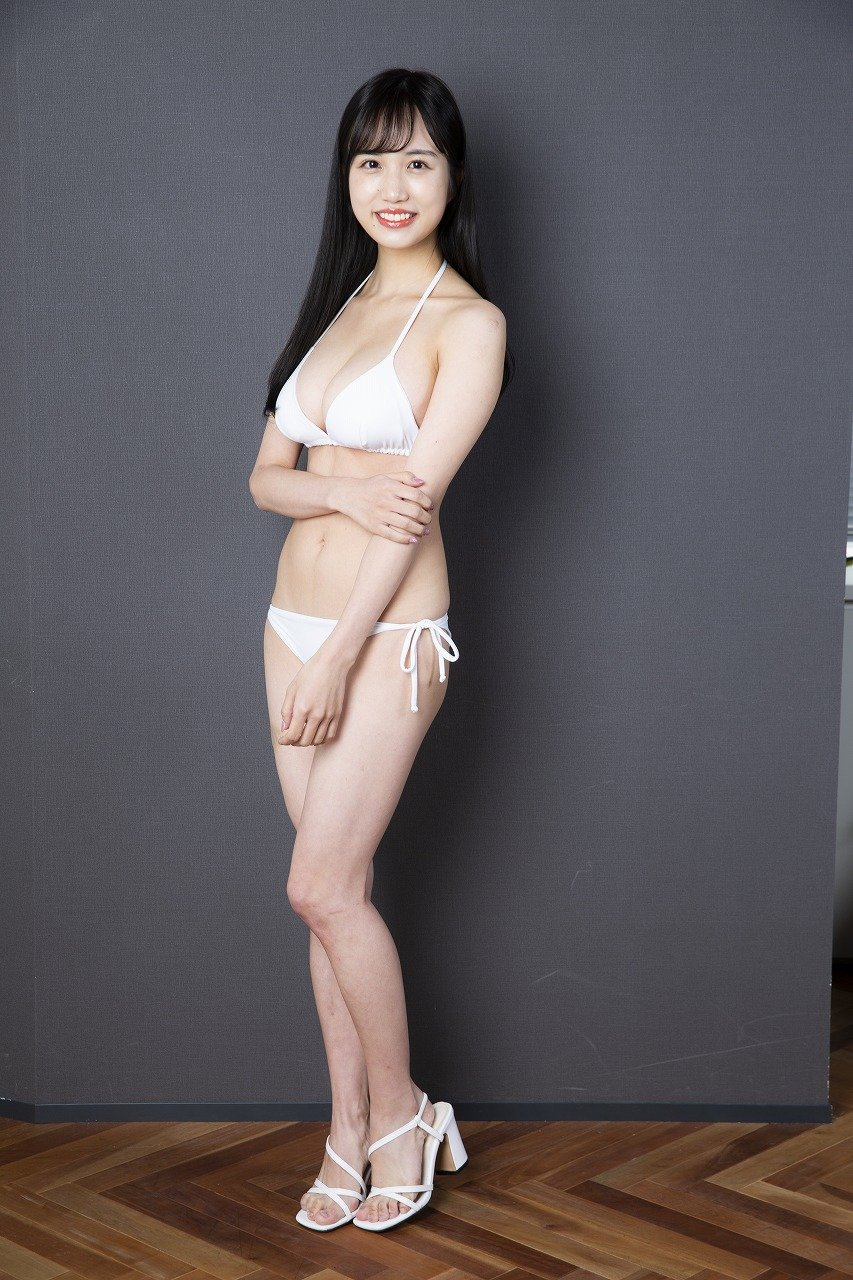 """花巻杏奈「最初は芸能界とかアイドルに興味はなくて。妹がずっと""""女優さんをやりたい""""って言ってて、それで付き添いで行って、流れでなったという(笑)」【独占告白2/11】【画像48枚】の画像002"""