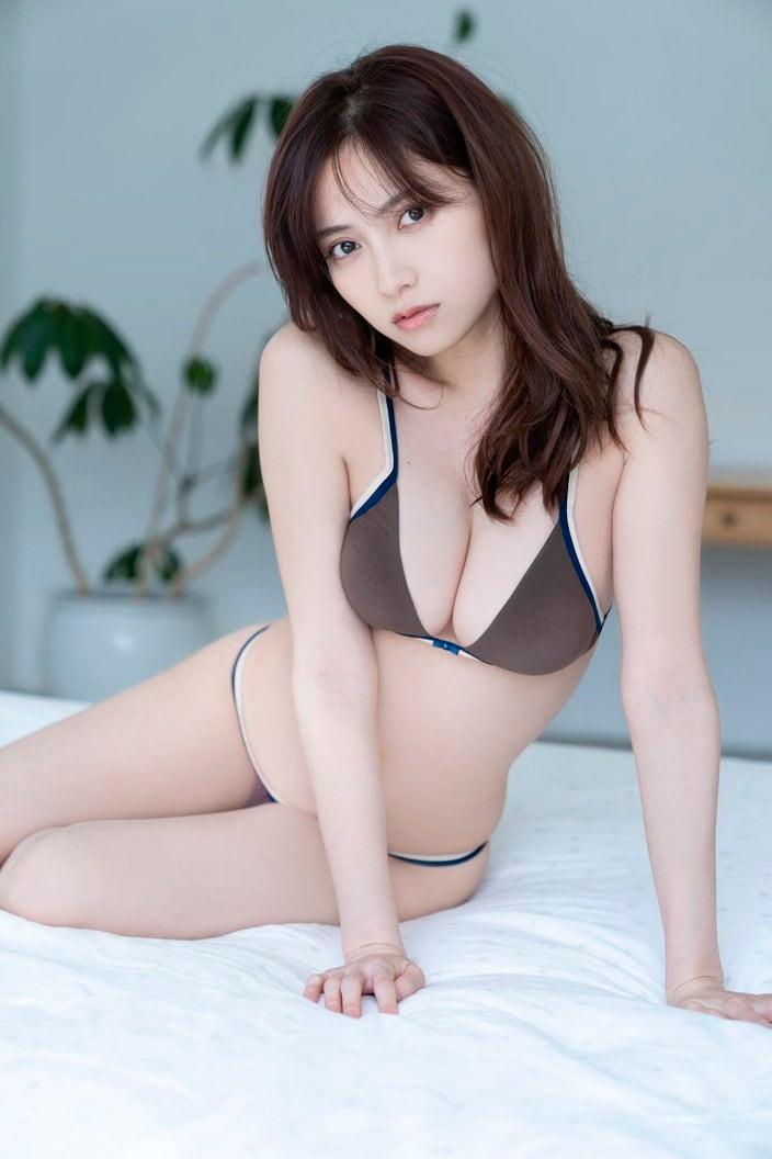 桃月なしこ「透き通る美肌」『週刊ヤングマガジン』のアザーカットを大公開!【画像5枚】の画像