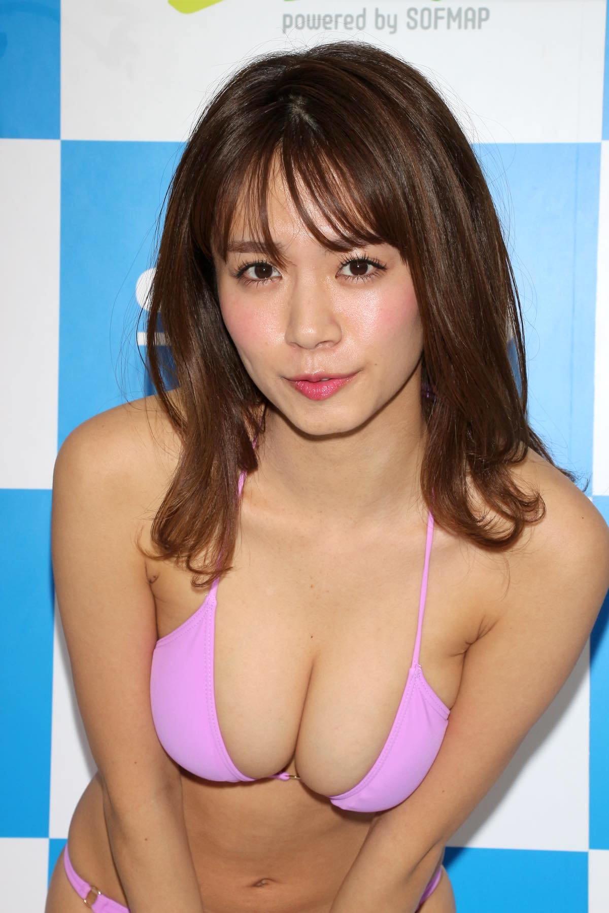 菜乃花のグラビア水着ビキニ画像13