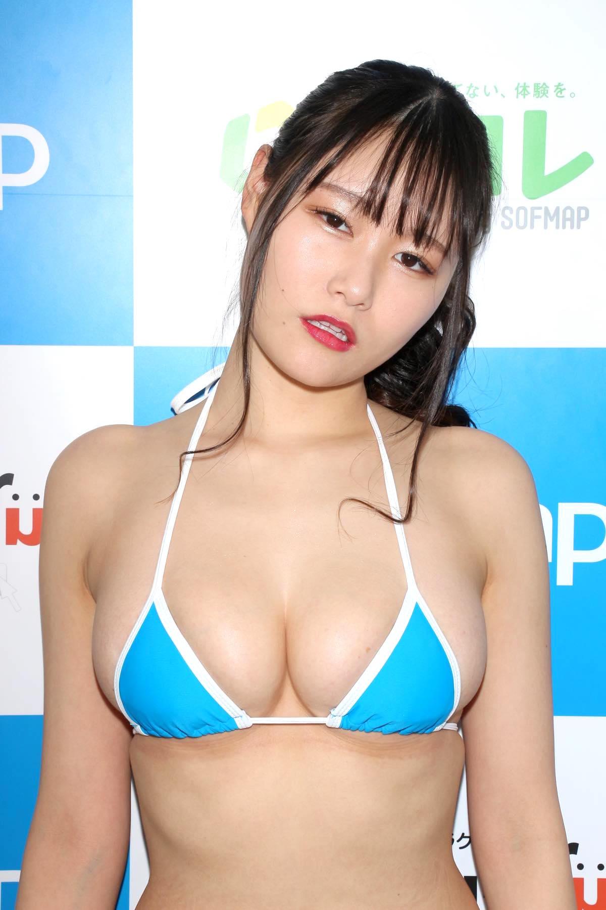 東坂みゆ「ロケット爆乳」がダンスで揺れて弾ける!【写真42枚】の画像010