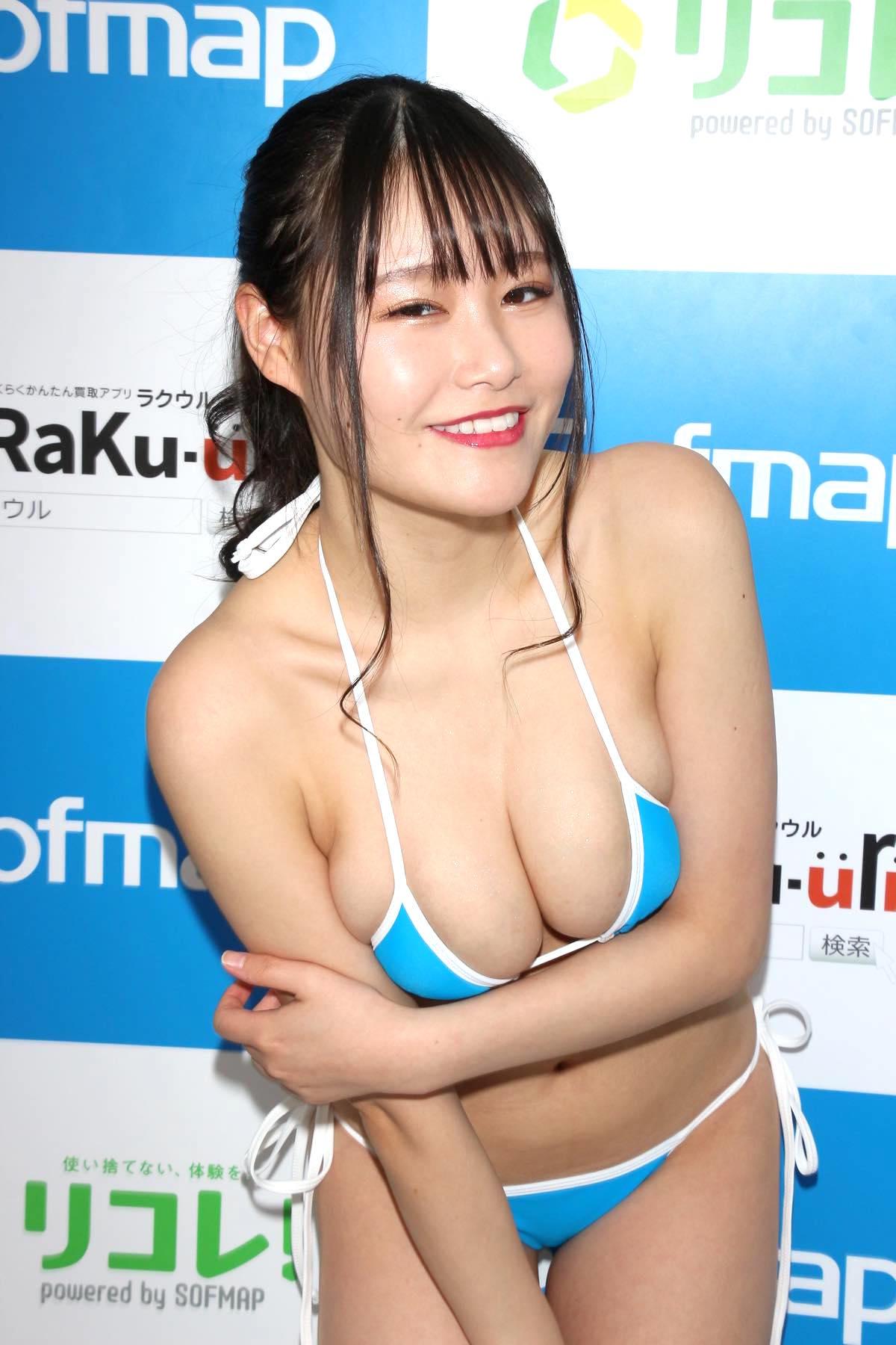 東坂みゆ「ロケット爆乳」がダンスで揺れて弾ける!【写真42枚】の画像023