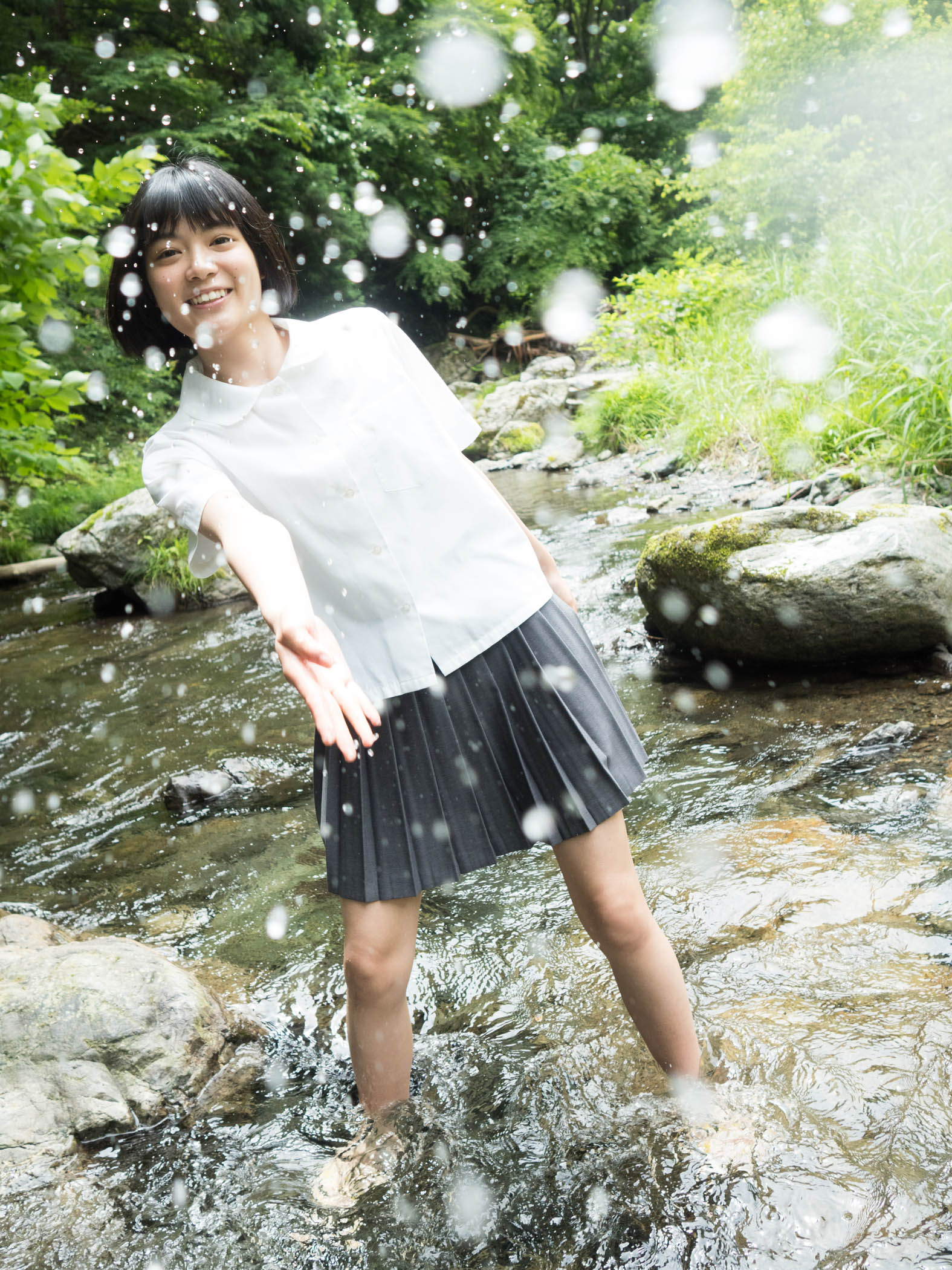 吉田美月喜「16歳の今」を閉じ込めたグラビアが新鮮!【写真5枚】の画像001