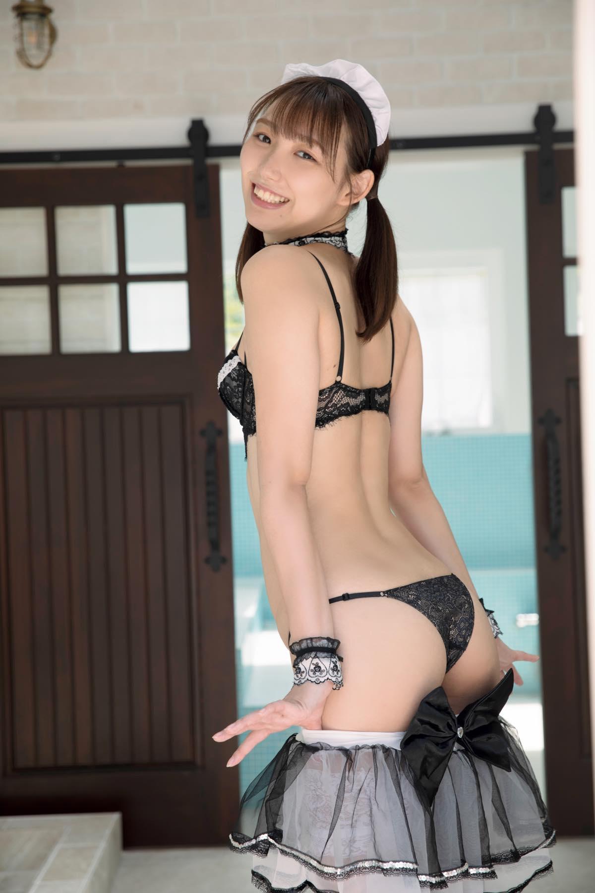 新田ゆう「長身スレンダーボディ」元フィギア選手の極小ビキニ【画像10枚】の画像001