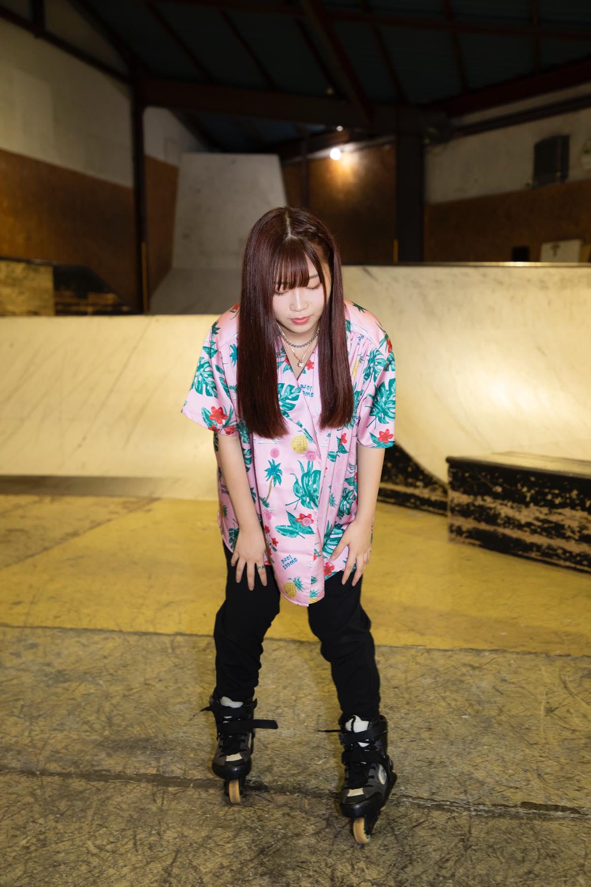 米田みいな「初めてのインラインスケートでなぜかにゃんこスターのモノマネ!?」【写真37枚】【連載】ラストアイドルのすっぴん!vol.21の画像016