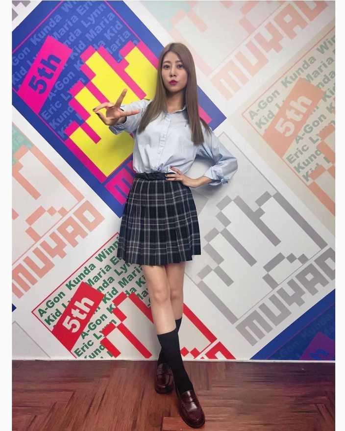 """元AKB48阿部マリア「お父さんグッジョブ」JK時代の""""ガチ""""制服姿を披露【画像4枚】の画像"""