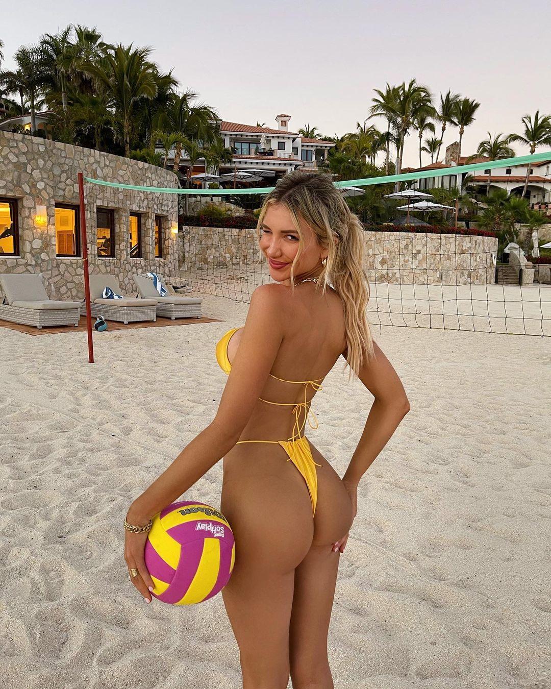 ガブリエラ・エプスタイン「エッチすぎるビーチバレー」インスタグラムも思わず削除?【画像4枚】の画像001