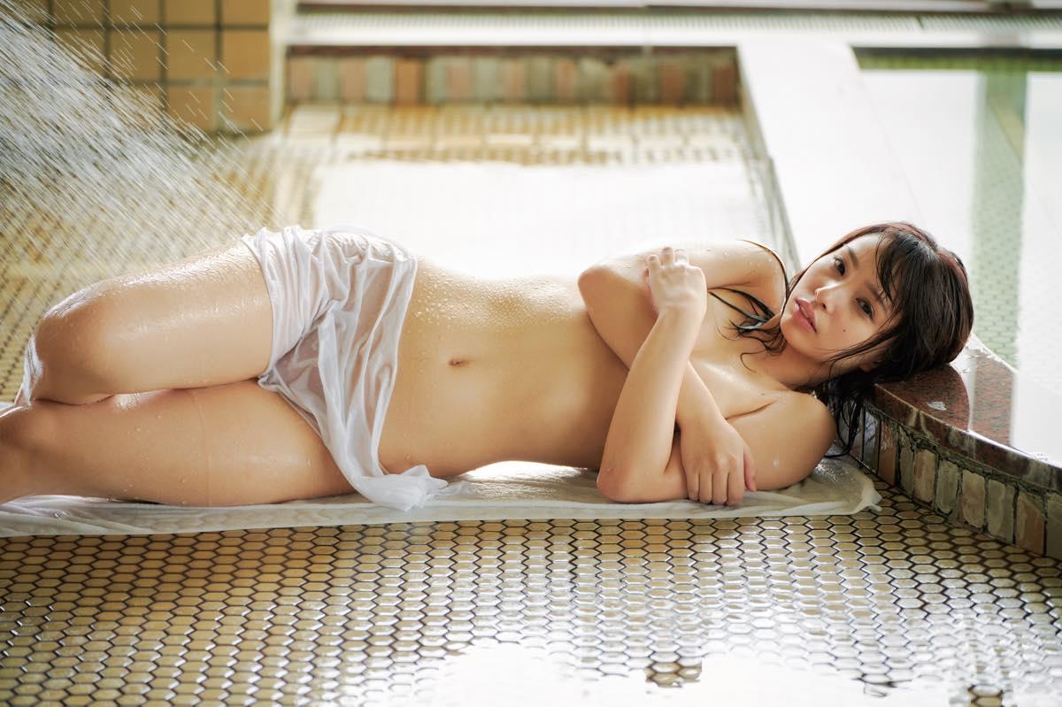 鶴巻星奈「えっちなお尻が魅力」くびれのカーブも絶品!【画像12枚】の画像009