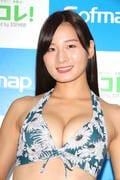 清瀬汐希「オフィスでY字の水着」露出度高くて恥ずかしい【画像48枚】の画像015