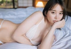 元AKB48永尾まりや「ベッドで大胆&セクシーに…」自身登場のグラビア誌をアピールの画像