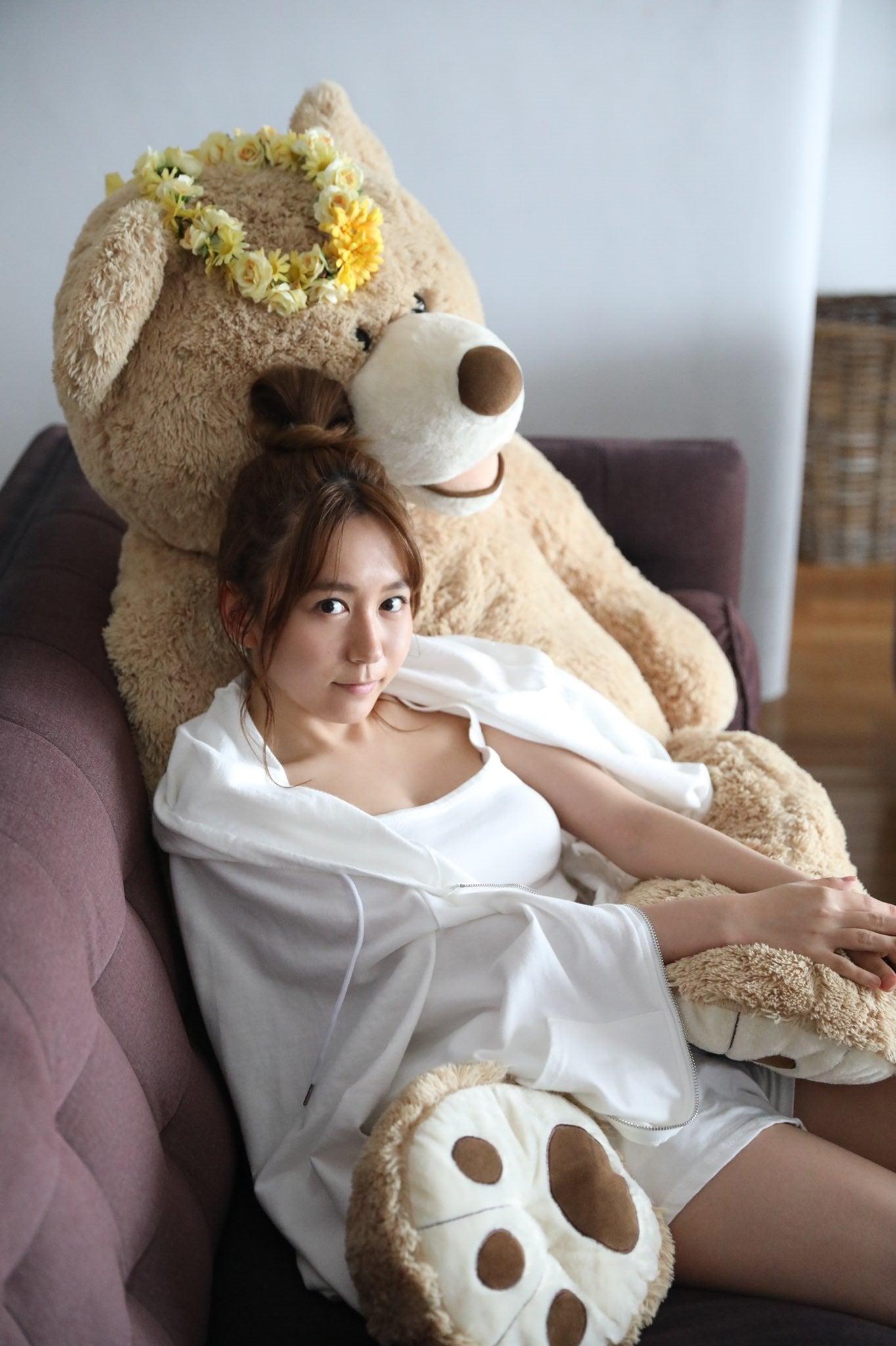 SKE48大場美奈「リラックス感溢れるショットにドキ…」2nd写真集重版決定【画像2枚】の画像002