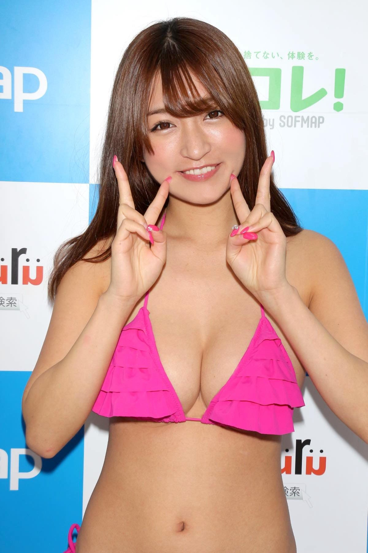 ☆HOSHINO「シャツがどんどん透けちゃう」エプロンはほぼ裸!【写真35枚】の画像015