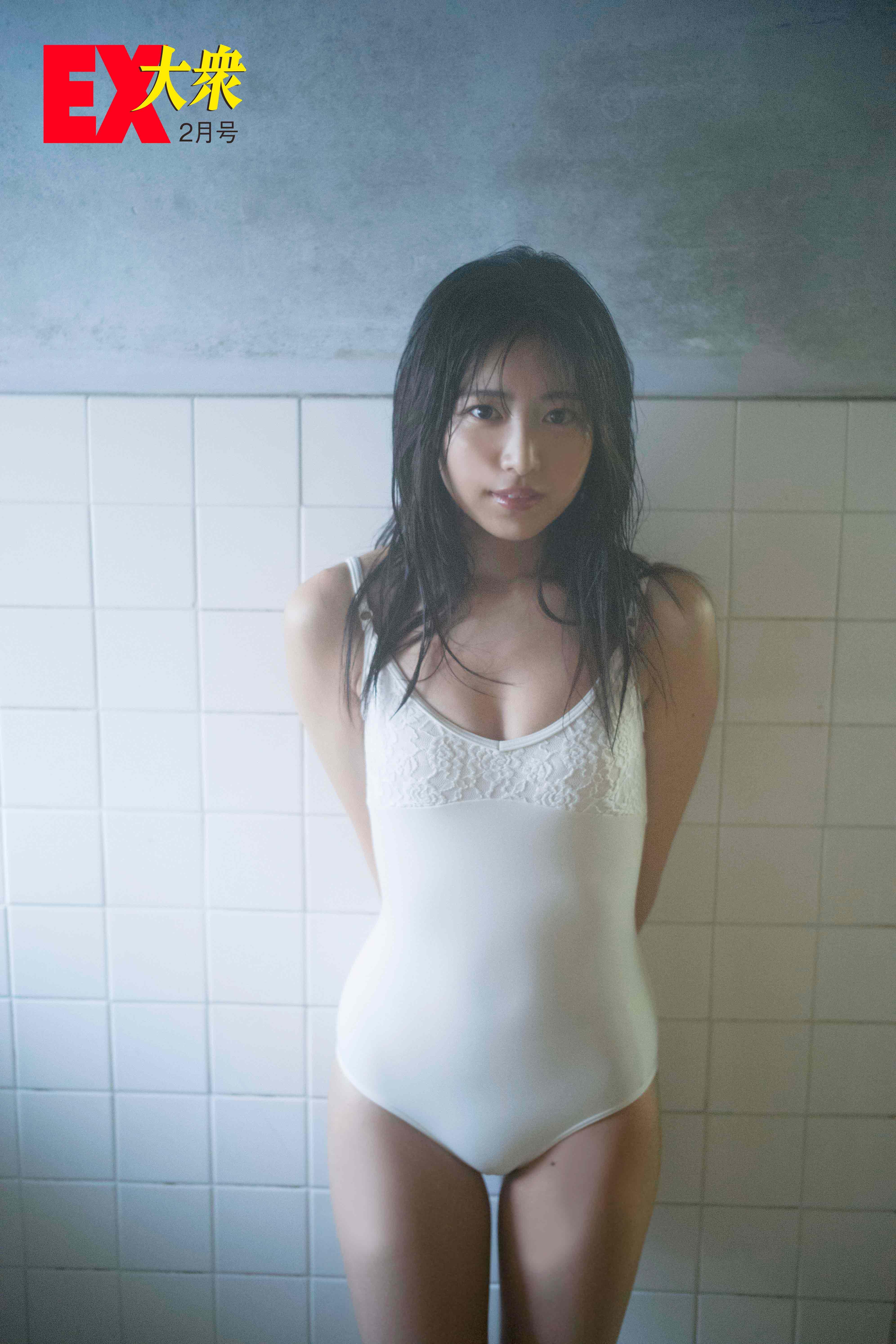 吉田莉桜の水着画像6