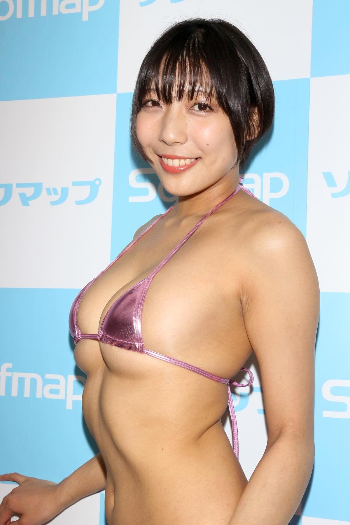麻倉まりなのグラビア水着ビキニ画像014