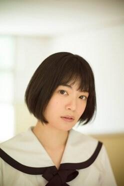 吉田美月喜「期待のCM美少女」黒髪ショートがまぶしい!【写真5枚】の画像