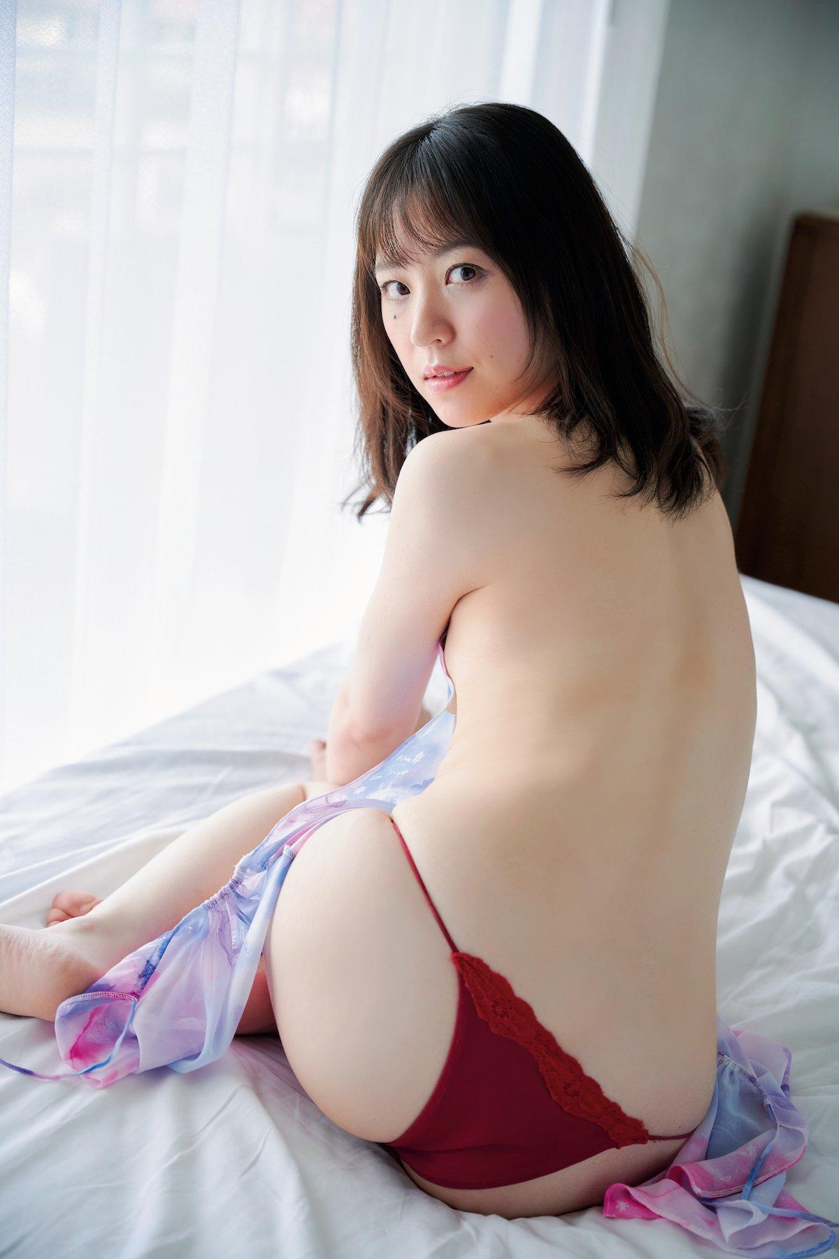 船岡咲「元ジュニアモデル」スレンダー美女のぷりぷり尻【画像10枚】の画像001