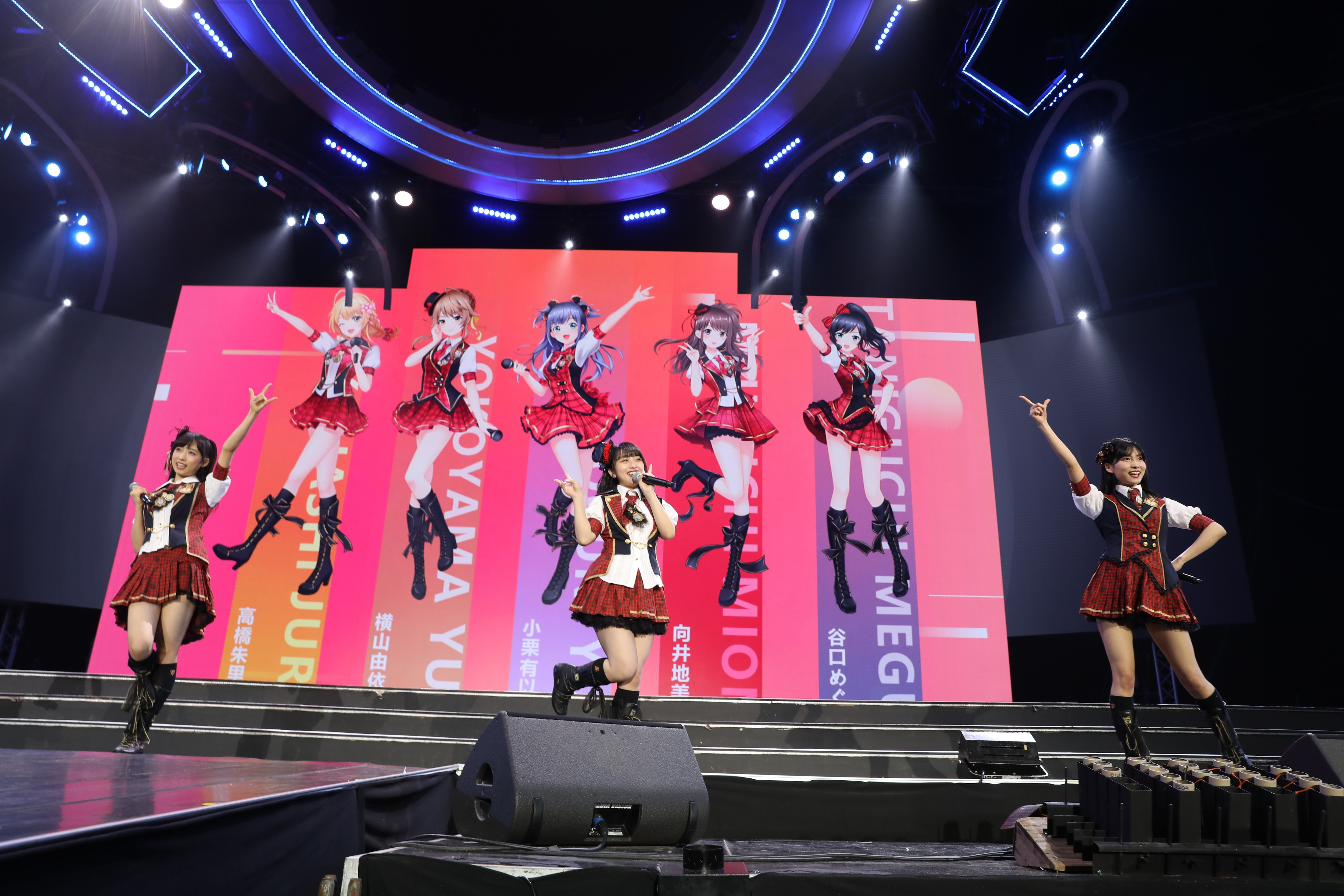 AKB48ほか、海外の姉妹グループが集結し『恋するフォーチュンクッキー』を熱唱!【写真23枚】の画像003