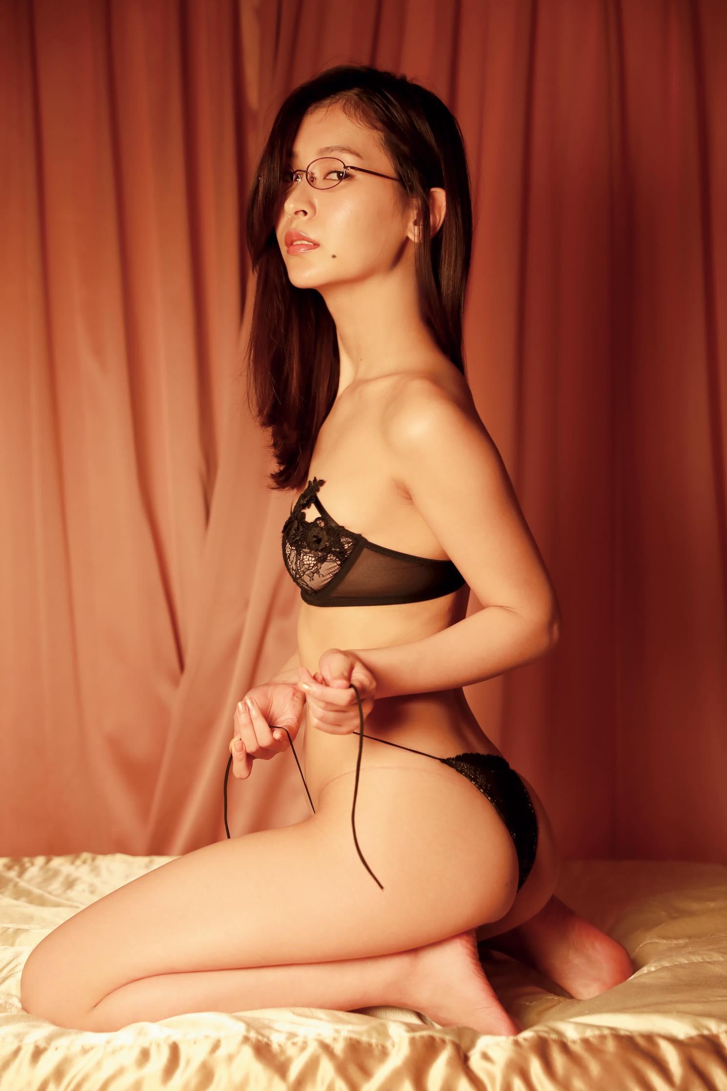 和久井雅子「平成最後の愛人」は色気が溢れすぎる!【写真11枚】の画像010