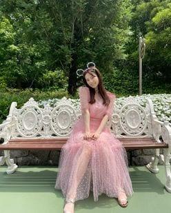元AKB48島崎遥香「プリンセスですか?」「リアルお姫様」ピンクのシースルードレスにファン歓喜【画像3枚】の画像