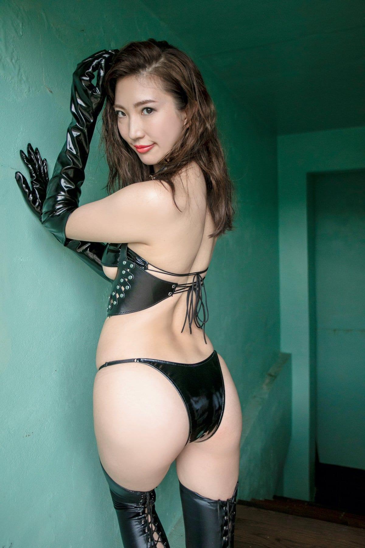 松嶋えいみ「きれいなお姉さん」洗練された神ボディ【写真12枚】の画像012