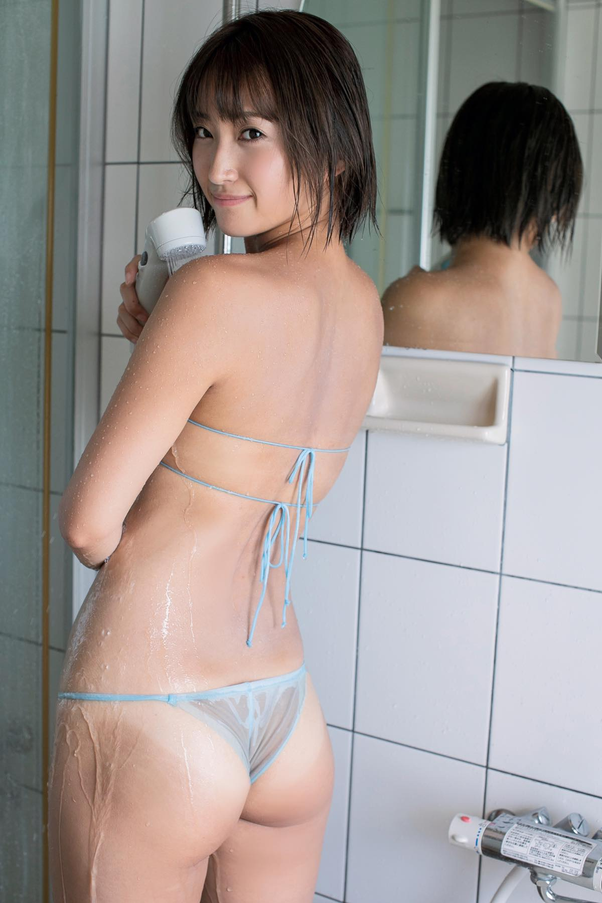 宮崎華帆「5倍エロい」元クラブママが限界セクシー!【写真7枚】の画像004
