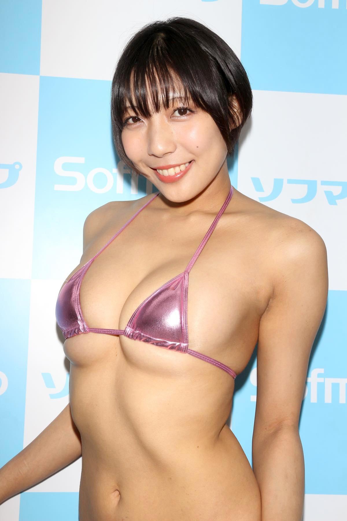 麻倉まりなのグラビア水着ビキニ画像016