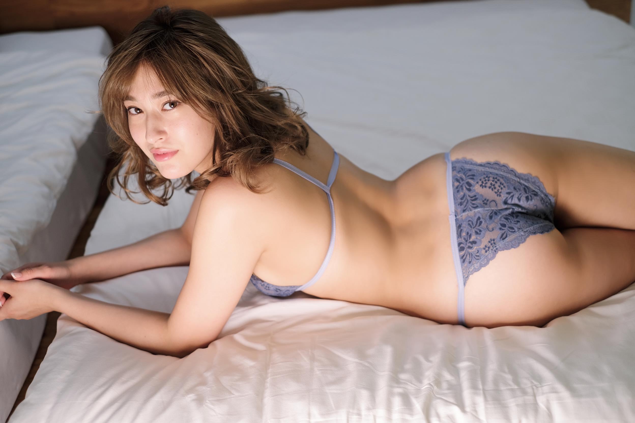 元AKB48平田梨奈が「大人セクシー」なビキニ姿に【写真10枚】の画像005