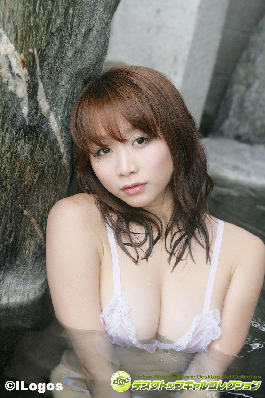 青島あきな「伝説のマンゴー乳」の凄みを再確認せよ!【写真5枚】の画像002