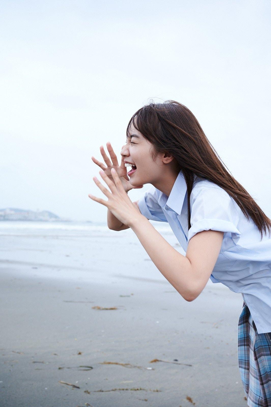 黒木ひかりが『漫画アクション』の表紙巻頭グラビアに登場!【写真13枚】の画像008