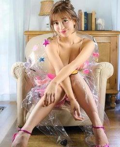 COCO「ラッピングされたゴージャス美女」セクシーすぎるクリスマスギフト【画像2枚】の画像