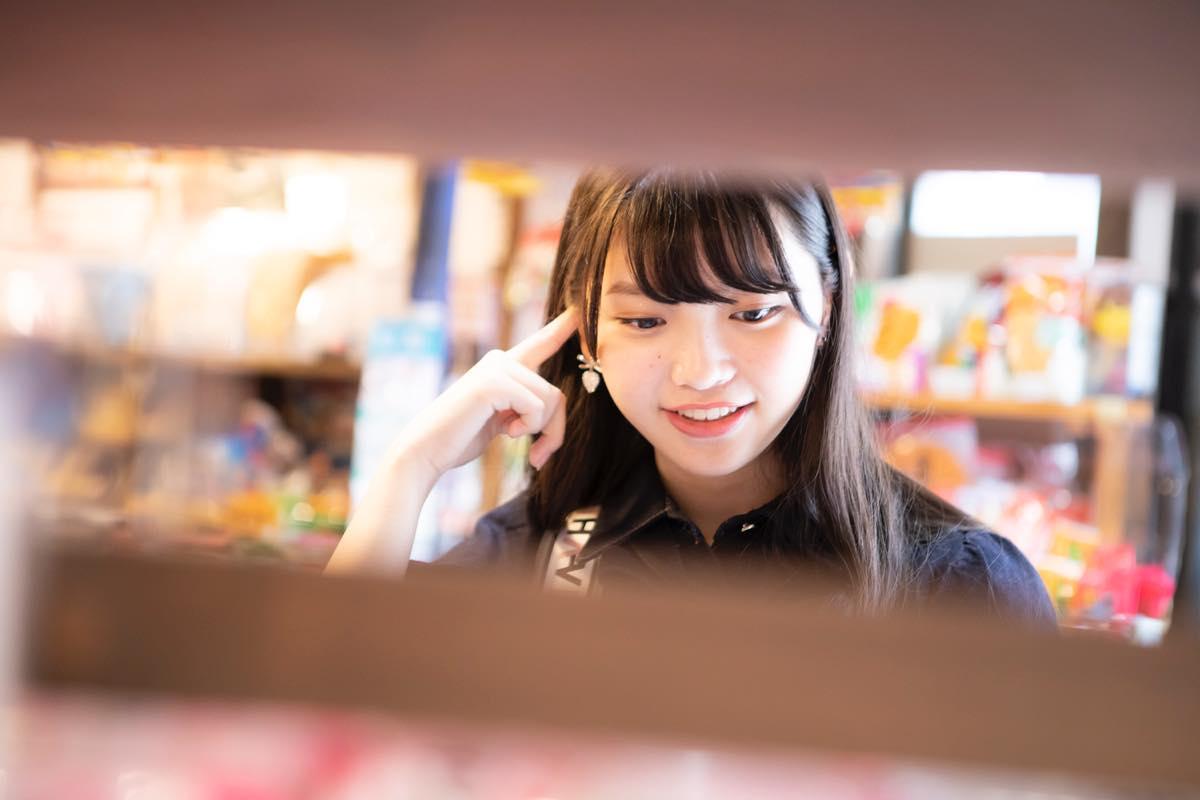 籾山ひめり「英語に駄菓子選びに大奮闘!」【写真74枚】【連載】ラストアイドルのすっぴん!vol.26の画像056