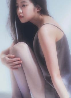 今田美桜「スベスベふとももと美谷間」アートのような透明感ボディ【画像3枚】の画像