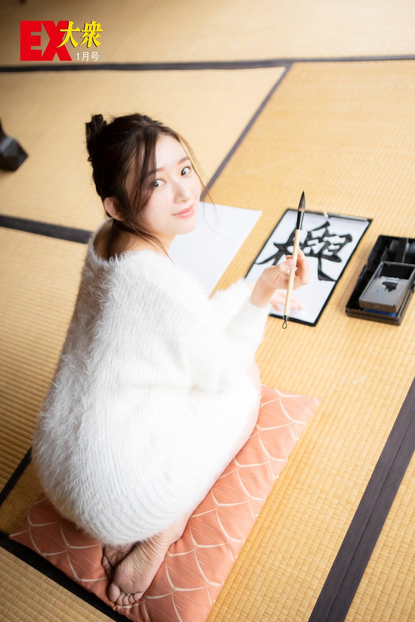 欅坂46佐藤詩織の本誌未掲載カット5枚を大公開!【EX大衆1月号】の画像005