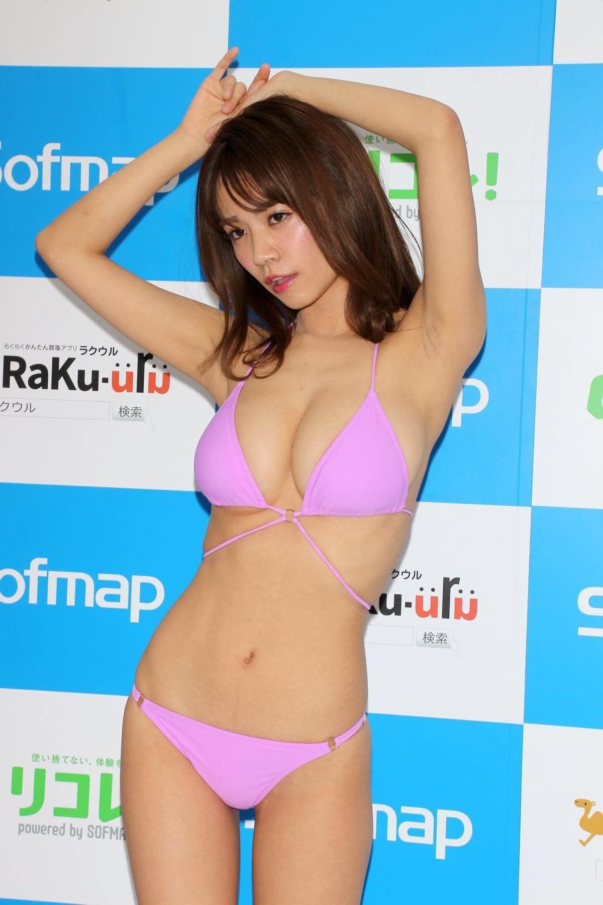 菜乃花のグラビア水着ビキニ画像15