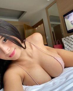 パンドラ・カーキ「フィリピン美乳の最高峰!」ベッドで寝転がって何するつもり?の画像