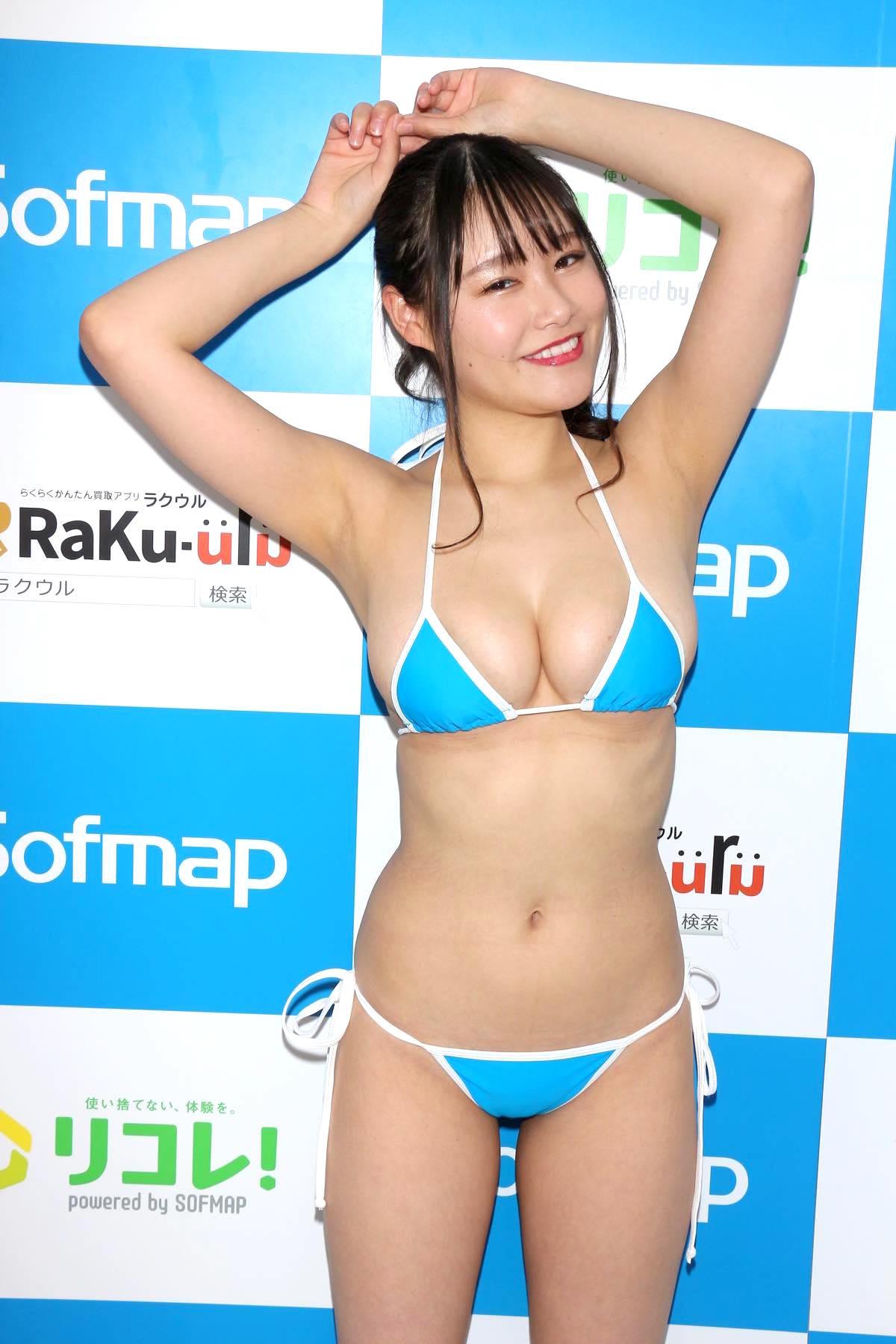 東坂みゆ「ロケット爆乳」がダンスで揺れて弾ける!【写真42枚】の画像014