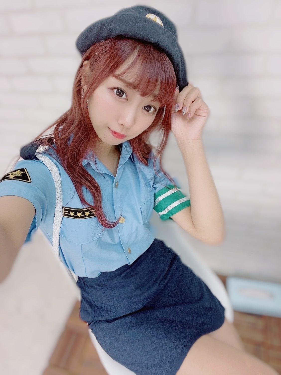 元NMB48肥川彩愛「ミニスカのポリス姿で美脚チラ」ぜひ逮捕されたい…【画像2枚】の画像002