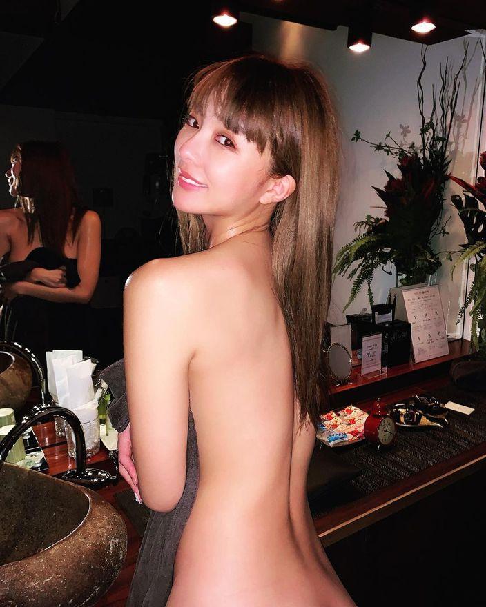 濱野りれ「バスタオルで美ボディをなんとか…」プライベートなマッサージの様子を披露の画像