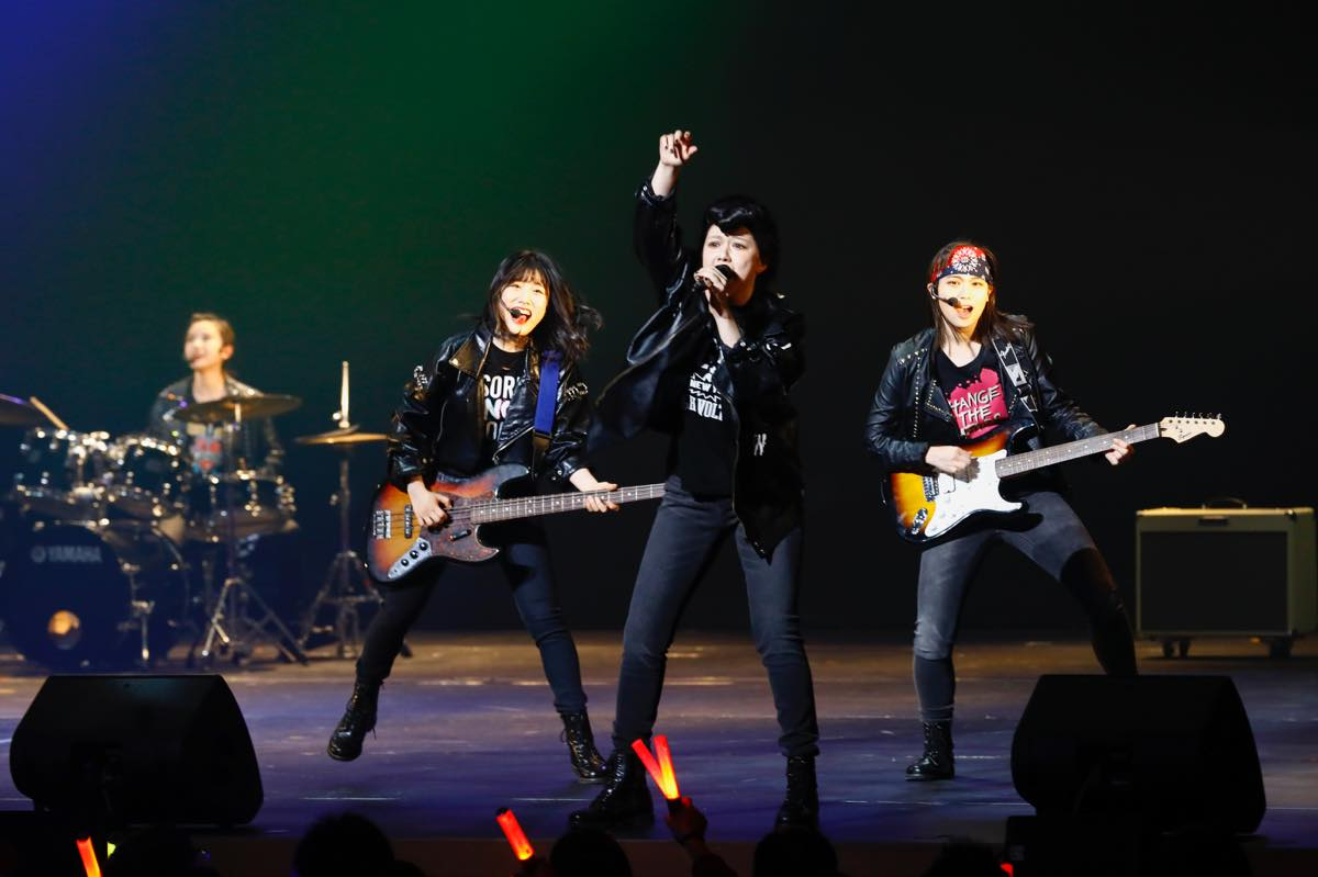 HKT48が8周年前夜祭コンサート「8周年だよ!HKT48の令和に昭和な歌合戦~みんなで笑おう八っ八っ八っ八っ八っ八っ八っ八っ(笑)~」を開催!の画像012
