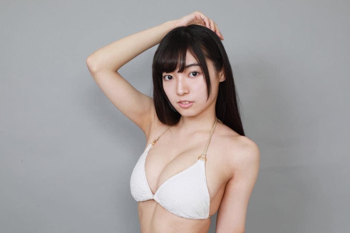 桜田愛音のグラビア水着ビキニ画像0019