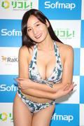 清瀬汐希「オフィスでY字の水着」露出度高くて恥ずかしい【画像48枚】の画像033
