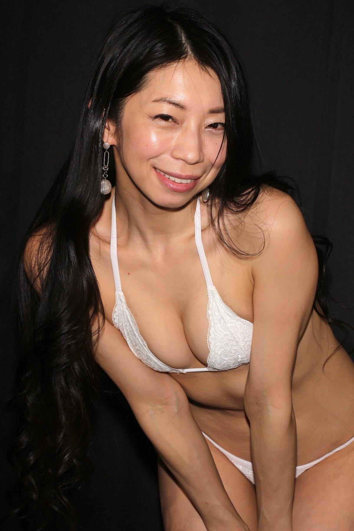 岩崎真奈「ベンチの縁にこすったり」私史上最高にセクシー【画像50枚】の画像031