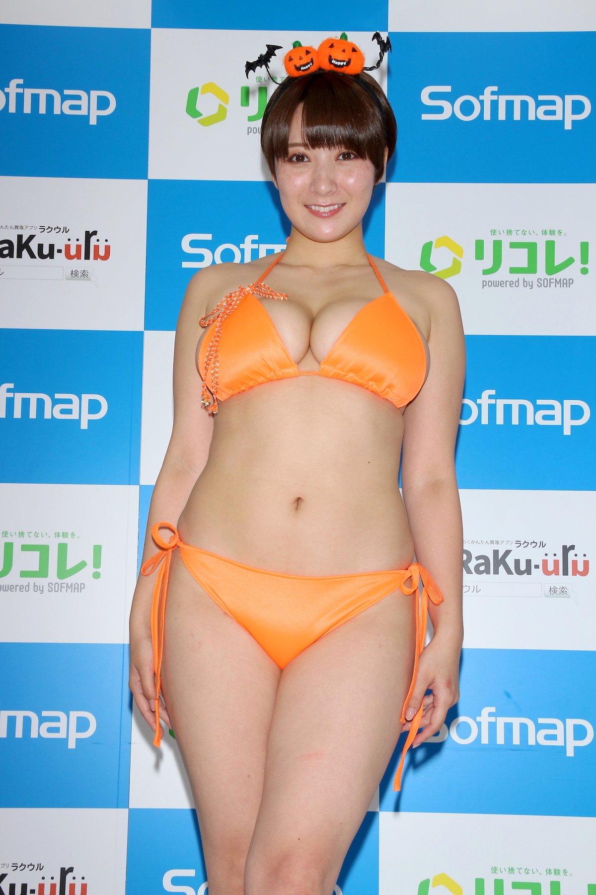 紺野栞「SM嬢に初挑戦」ムチを覚えて感動しました【画像49枚】の画像005