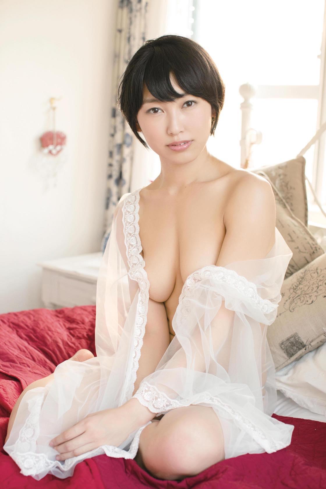 現役アイドル・咲村良子「驚異の柔らかボディ」で限界露出に挑戦!【写真9枚】の画像007